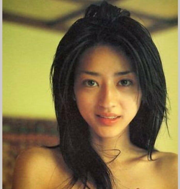 小沢真珠若い頃は牡丹と薔薇