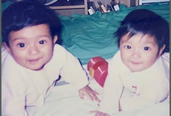 ローラ双子の兄一卵性の画像
