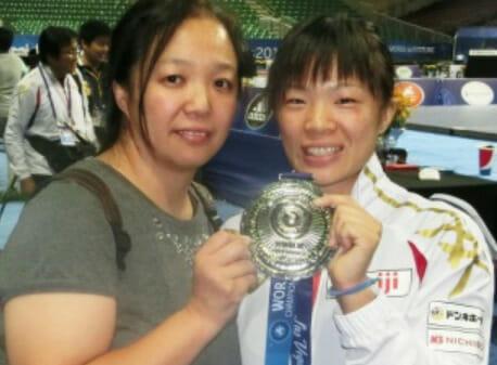 川井梨紗子の父親と母親と妹