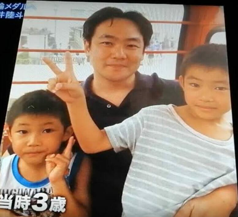 玉井陸斗の父親と母親と兄