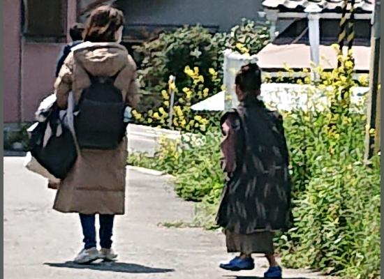子役の毎田暖乃の小学校